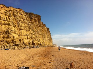 West Bay beach 8 minutes walk. Very sunny aspect. Great views. Safe. Welcoming. - West Bay vacation rentals