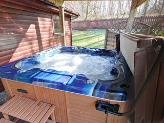 Montrose 5 Star with huge PRIVATE hot tub & sauna - Drymen vacation rentals