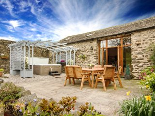 Stunning Character Barn with a hot tub - Kendal vacation rentals
