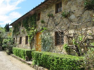 Independent cottage in a large property among Lucca hills - Orbicciano vacation rentals