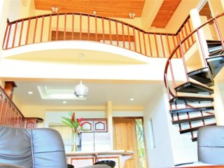 PENTHOUSE in LAKE ARENAL with POOL, FULL KITCHEN - Nuevo Arenal vacation rentals
