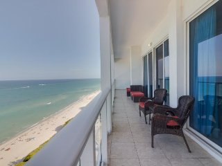 Oceanfront penthouse condo w/ shared pool and other resort amenities! - Miami Beach vacation rentals