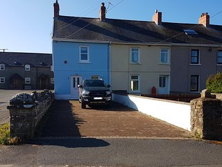 Bwthyn Glas, a cosy, quiet retreat near the Beach with an enclosed garden - Broad Haven vacation rentals