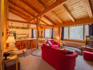 Roomy 3BR Sugarloaf Condo, Steps from Slopes, Dining & Shopping - Carrabassett Valley vacation rentals
