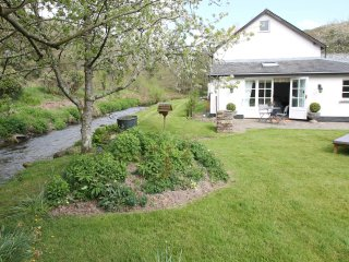 The Folly, Bratton Fleming - Romantic retreat with large riverside garden - Bratton Fleming vacation rentals