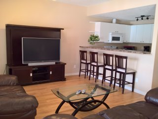 Beautiful 3 Bedroom Suite in Golf Course By WEM - Edmonton vacation rentals
