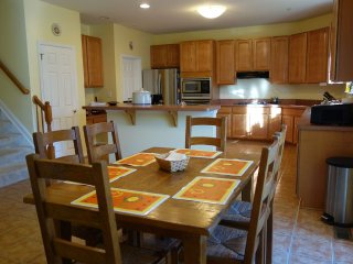 Gorgeous Hideaway: Spacious, Private, Huge Patio, Near DC - Clinton vacation rentals