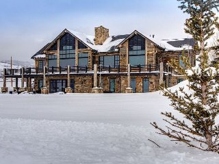 Luxury 5BR, 4BA Park City Home w/ Horse Ranch, Ice Rink & Epic Ski Area Views - Park City vacation rentals