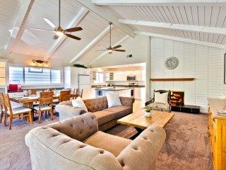 """Sensational """"Cape Cod"""" with terrific vaulted Great Room - Corona del Mar vacation rentals"""