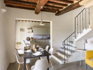 Casa dei Sogni, Stefano - An attractive air conditioned stone farmhouse with Private Pool -  set within a small Tuscan borgo - Castiglion Fiorentino vacation rentals