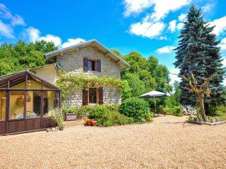 Ancienne maison de gardien de chemin de fer dans le Limousin - Dordogne - Bussiere-Galant vacation rentals