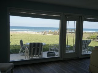 Gorgeous OCEAN FRONT residence directly on the ocean! - Ormond Beach vacation rentals