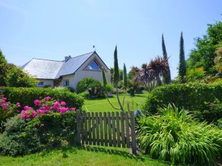 Cozy 3 bedroom House in Ploudalmezeau with Internet Access - Ploudalmezeau vacation rentals