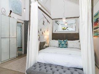 Romantic Studio W/Private Yard—  Close to Ojai, Ventura, the Beach - Oak View vacation rentals