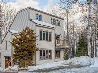 Large 4BR, 2BA Carrabassett Valley Condo—Mountain Views, Close to Skiing - Kingfield vacation rentals