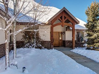 Horse and Dog-Friendly! 3BR, 2.5BA in Woodland – Great for Fishing - Kamas vacation rentals