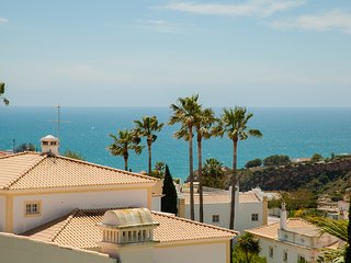 Apartment w\sea view near down town - Sesmarias vacation rentals