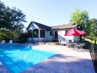 Private Villa on the Wine Trail - Cobden vacation rentals