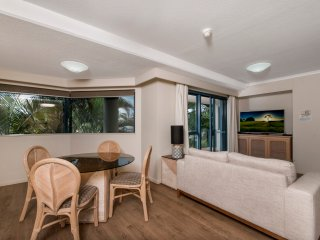 Oceanview Esplanade Cairns - Cairns vacation rentals