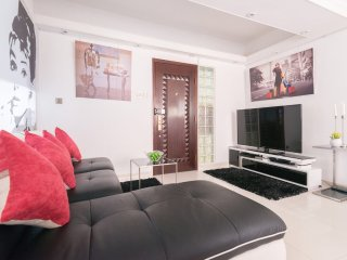 3bed/2bath*NEW*MODERN*TST*CENTRAL LOCATION*MTR*QUIET*FAMILY - Hong Kong vacation rentals