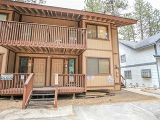 Cozy 3 bedroom Condo in City of Big Bear Lake - City of Big Bear Lake vacation rentals