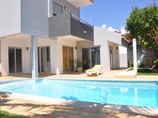 Bright and attractive private pool villa - Vilamoura vacation rentals