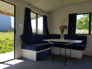 Nice Guest house with Balcony and Water Views - Te Awamutu vacation rentals