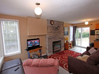 Cozy Wasaga Beach Cottage rental with Deck - Wasaga Beach vacation rentals