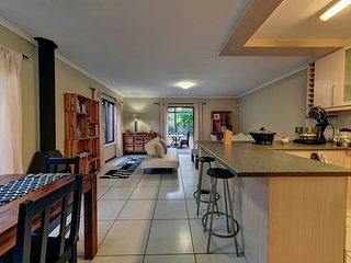 """2 Bedroom, Self catering home, Claremont, Cape Town, """"Suburban Oasis."""" - Claremont vacation rentals"""
