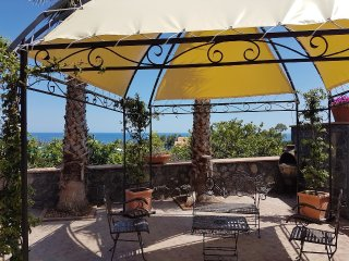 Incantevole appartamento sul mare - Carruba vacation rentals