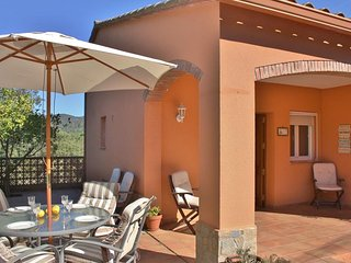 Chalet with 3 rooms in Calonge, with wonderful mountain view and enclosed garden - Girona vacation rentals