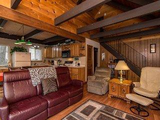 3BR + Loft Chalet, Walk to Heavenly Resort & the Best of Tahoe - South Lake Tahoe vacation rentals