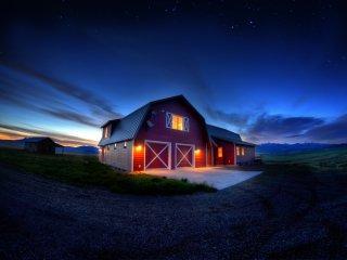 Custom build rural Montana home - Wilsall vacation rentals