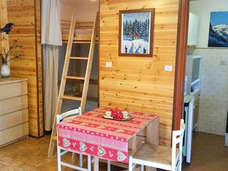 Cosy bright apartment in Gressoney town - Family friendly 200mt. from Lake Gover - Gressoney Saint Jean vacation rentals