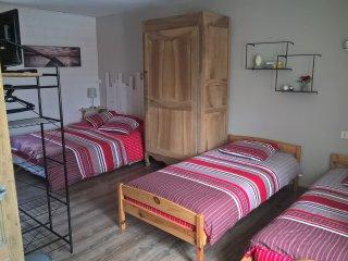Chambre d'Hôtes Entre Marais et gâtine chambre 3 - Saint-Pompain vacation rentals