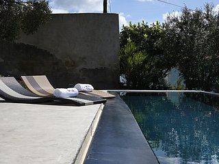 Villa d´architecte avec piscines à deux pas des pl - Santo Isidoro vacation rentals