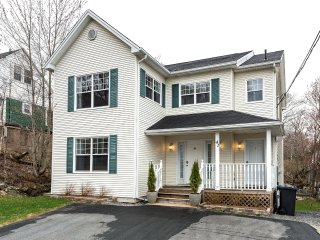 Pioneer House -Newer Home in Mature Halifax Neighbourhood - Halifax vacation rentals