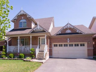 Lovely House with Deck and A/C - Niagara-on-the-Lake vacation rentals