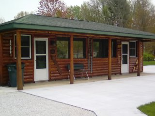 The Wren Cabin at the South Shore Resort in Twin Lake, Michigan - Twin Lake vacation rentals