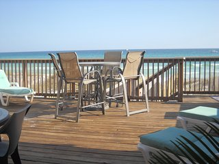 IRRESISTIBLE! DESTIN GULF FRONT 4BR, 4B**FALL FAMILY SPECIALS** HUGE 3000 sq' - Destin vacation rentals