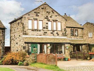 POPPYFIELDS COTTAGE stone- built annexe, en-suites, well appointed, WiFi - Heptonstall vacation rentals