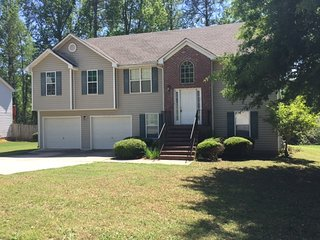Comfortable 4 bedroom Jonesboro House with Internet Access - Jonesboro vacation rentals
