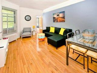 ~Modern~ XL 2BR NYC Apt! - New York City vacation rentals