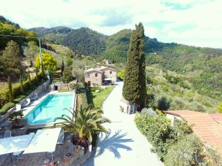 Nice House with Internet Access and Central Heating - Pescia vacation rentals