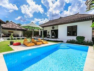 "Pevali - 3 Bedroom Spacious Villa,  ""Eat Street"" Location, Central Seminyak - Seminyak vacation rentals"