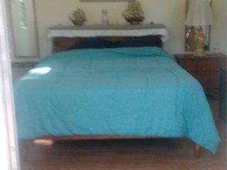 Romantic 1 bedroom Oak Hill Private room with Internet Access - Oak Hill vacation rentals