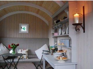 Nice 1 bedroom Bed and Breakfast in Bells Yew Green - Bells Yew Green vacation rentals