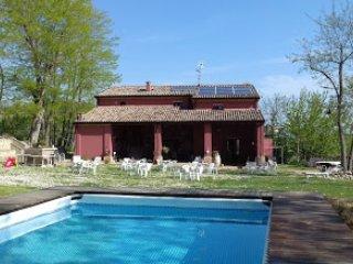 Cà Prosciutto: Suite Degli Olivi - Roncofreddo vacation rentals