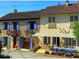 Les Cannas Traditional Perigordian Holiday Home - Saint-Vincent-de-Cosse vacation rentals