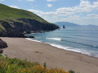 Luxury Home by Beach Great View of Dingle Bay.WIFI - Dingle vacation rentals